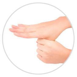 親指も忘れずに。手の感触がさらっとしたら、完了です